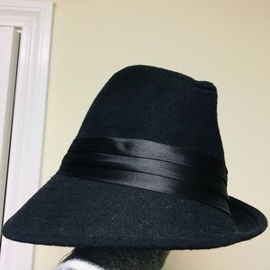 Accessories - 🎩 The Hatter Asymmetrical Fedora 🎩
